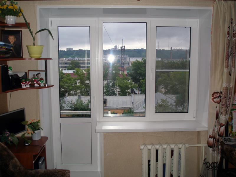 Трехрамные окна теплые балконы.